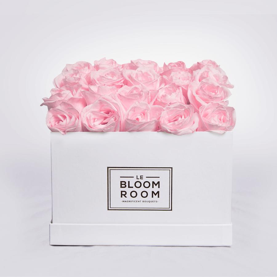 caja con 25 rosas rosas