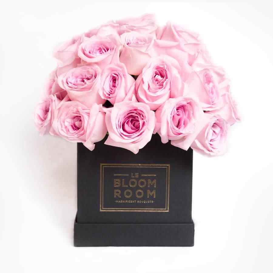 Caja De Rosas Rosas En Esfera