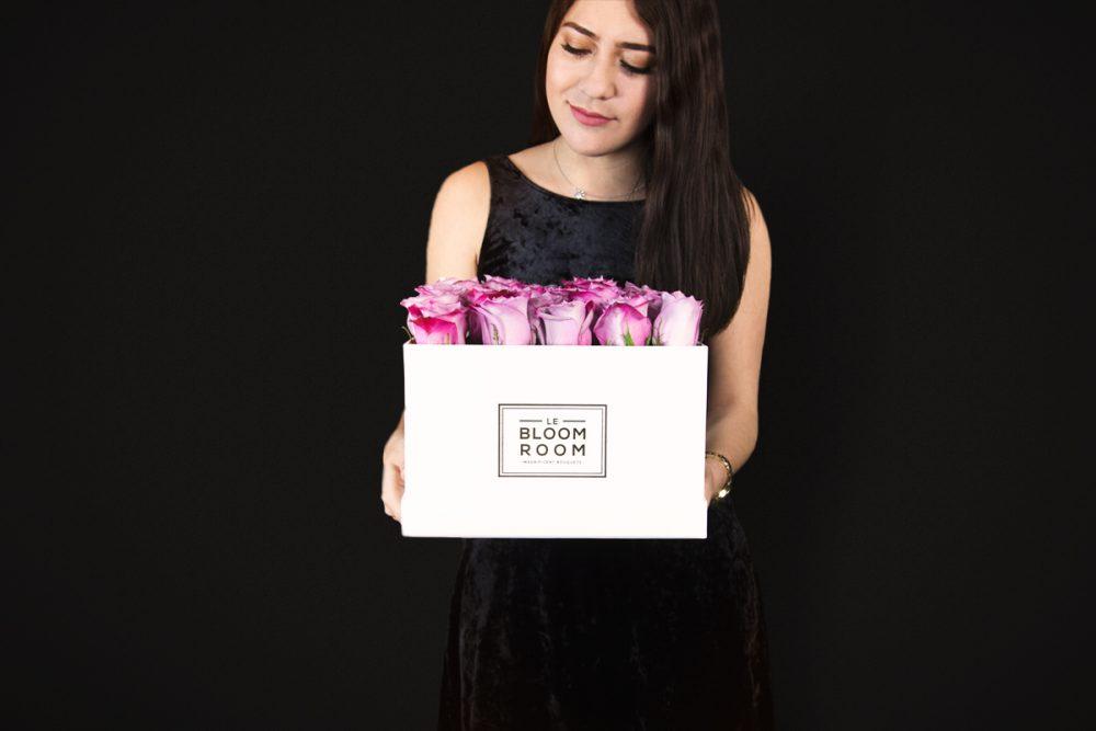 Caja blanca de Rosas Moradas
